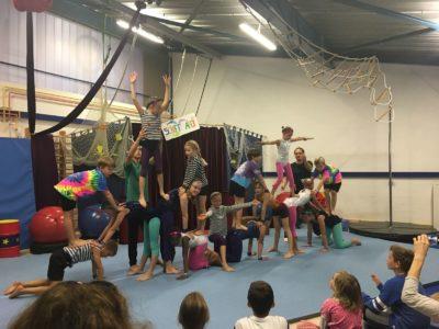 Ferienkurse in der Zirkusschule et voilà